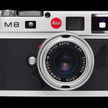 2006 - A primeira Leica M8 digitais emprega um sensor de imagem CCD de baixo ruído com 10.3 megapixels. Todas as lentes de início Leica M podem ser usados com este modelo, desde que não se estendem muito longe do corpo da câmara. No telêmetro, seis faixas são exibidas em pares em quadros brilhante de linha: 24 e 35mm, 28 e 90mm, e 50 e 75 mm.